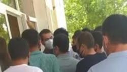 Очередь возле отдела ЗАГС в Самарканде – 2