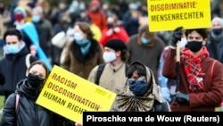 Нидерландские избиратели (архивное фото)