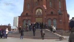 Primele funeralii ale victimelor incendiului de la mall-ul din Kemerovo