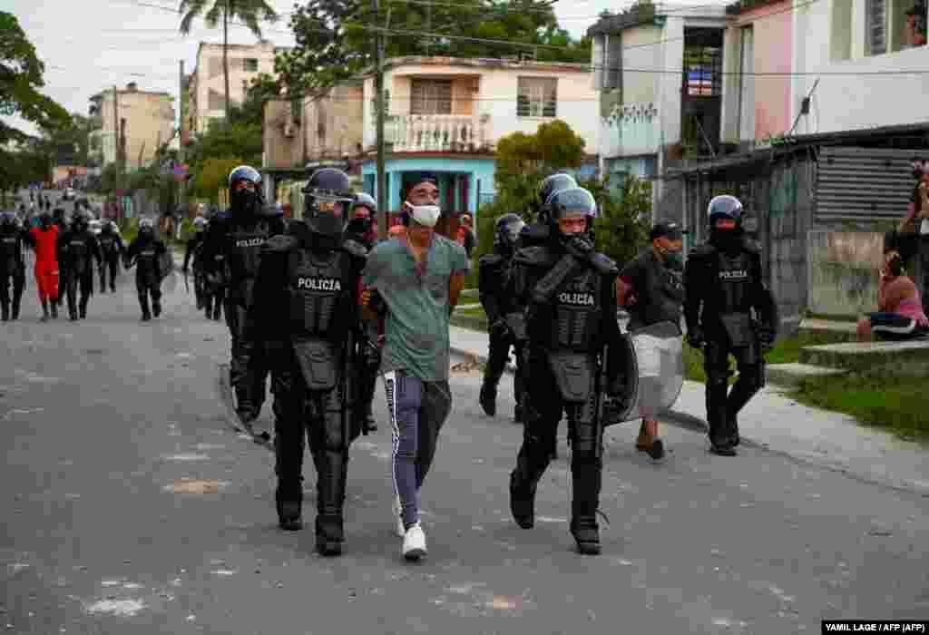 КУБА - Кубанската опозиција не се откажува од повикот за протест на 15 ноември, дури и по забраната од владата за собири и обвинувања дека тие предизвикуваат промена на режимот со поддршка на Вашингтон, пренесува агенцијата Франс прес.