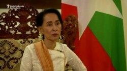Suu Kyi Says No Simple Answers To Rohingya Crisis
