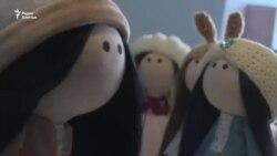«Не брали на работу». Гульнара решила создавать авторские куклы