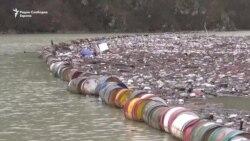 """Реката Дрина """"затрупана"""" со отпад"""