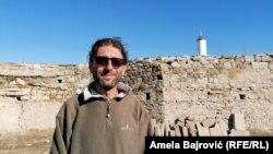 Arheolog Vladan Vidosavljević (na fotografiji) kaže da su tokom ovogodišnjih istraživanja pronašli zidove, za koje još uvek nisu utvrdili u kakvoj su vezi sa zindanom