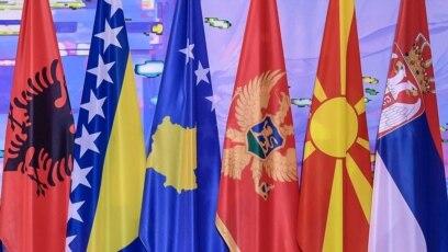 Pitanja nacionalnog identiteta i dalje su u prvom planu u većini zapadnobalkanskih država, manipulisanje podjelama i strahovima od različitih nacionalnih grupa je faktor organizovanja, navodi se u izvještaju Atlantskog saveza Crne Gore koji je predstavljen 28. jula u Podgorici