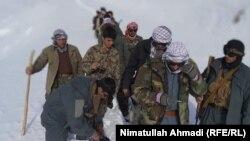 بدخشان کې پر ستونزمنو لارو تېرېدونکي یو شمېر افغان امنیتي ځواکونه