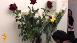 Активисты в Астане выразили соболезнование голландцам
