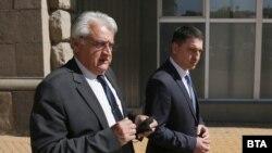 Служебният министър на вътрешните работи Бойко Рашков с предшественика му в МВР Христо Терзийски (ГЕРБ)