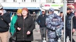 """Полиция в Москве возобновила """"пятничные рейды"""" возле мечетей"""