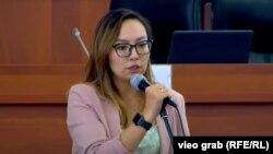 Депутат айсулуу Мамашева Парламенттин жыйынында. 28-июль. 2021-жыл.