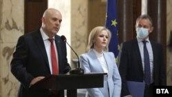 Главният прокурор Иван Гешев, говорителката му Сийка Милева и председателят на ДАНС Димитър Георгиев