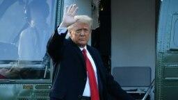 Дональд Трамп в последний день своего президентства покидает Вашингтон и отправляется во Флориду. 20 января 2021 года.