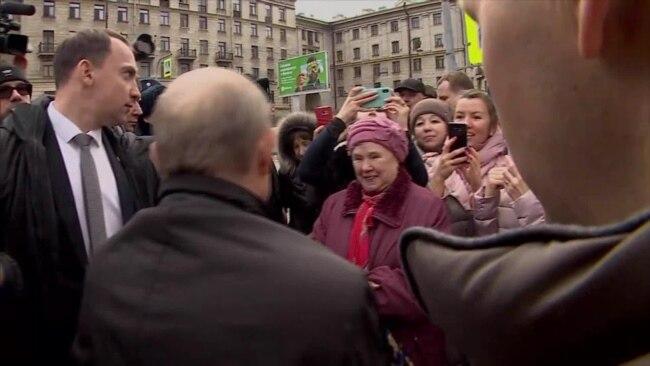 Встреча Владимира Путина с жителями Санкт-Петербурга