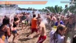Українці знайшли спосіб подолати спеку