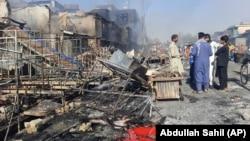 Оштетени згради, семејства кои бегаат: Талибанците презедоа три провинциски престолнини
