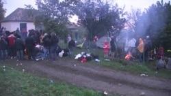 Izbjeglice u Berkasovu: Šatori i blato