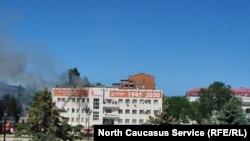"""Пожар в здании компании """"Ростелком"""" в Махачкале"""