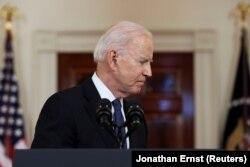 Joe Biden elnök nem sokkal azután, hogy a Fehér Házban kommentálta a frissen bejelentett izraeli-Hamász tűzszünetet, 2021. május 20-án, Washingtonban.