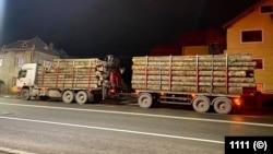 Dacă se modifică legea, șoferii camionelor supraîncărcate cu lemn nu vor mai putea refuza cântarul.