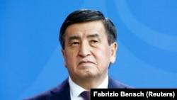 Сооронбай Жээнбеков, экс-президент.