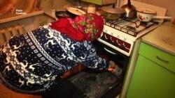 Луганчанка рятується від холоду вдома увімкненою газовою конфоркою (відео)