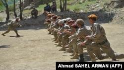 Авганистански безбедносни сили на воена обука во областа Бандехој во провинцијата Паншир на 21 август 2021 година.