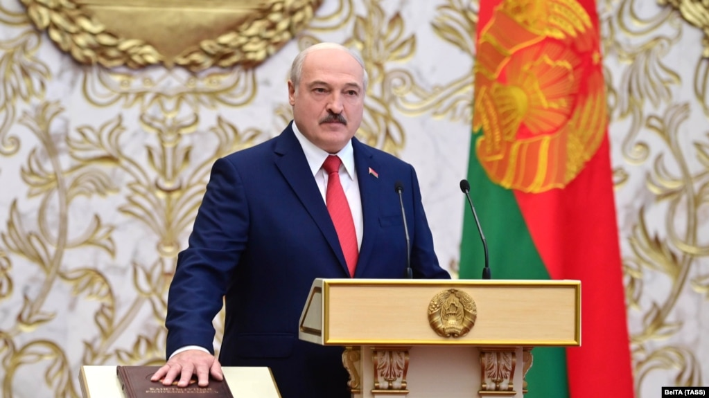 Лукашенко вступил в должность президента Беларуси на тайной церемонии. ВИДЕО/ФОТО