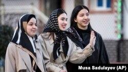 Девушки в Чечне, архивное фото