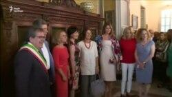 Подружжя лідерів G7 здійснили екскурсію східною Сицилією (відео)