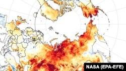 Фотографија на НАСА на која се гледаат температурите на површината на Русија во периодот од 19 март до 20 јуни 2020 година.