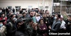 Встреча новой оппозиционной партии «Хакикат ва Тараккиёт» («Справедливость и Развитие») 12 марта в частном доме была сорвана толпой, собравшейся на улице и задававшей вопросы