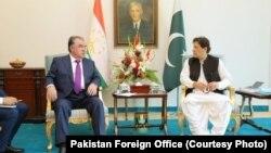 Tajik President Emomali Rahmon (left) and Pakistani Prime Minister Imran Khan met in Islamabad on June 2.