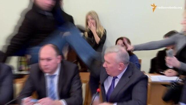 Парасюк о потасовке в ужгородском суде: Меня считают драчуном и хулиганом, если нужно - я сложу мандат - Цензор.НЕТ 8014
