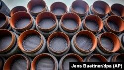 Архивска фотографија- цевки за гасоводот Северен поток 2