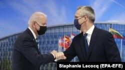 Džozef Bajden i Jens Stoltenberg u Briselu, 14. juna 2021