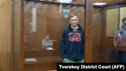 Aleksei Navalny's brother, Oleg, is among 10 of his supporters whom the Memorial NGO has recognized as political prisoners. (file photo)
