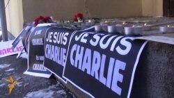 احترام روزنامهنگاران به قربانیان حمله به دفتر «شارلی ابدو»