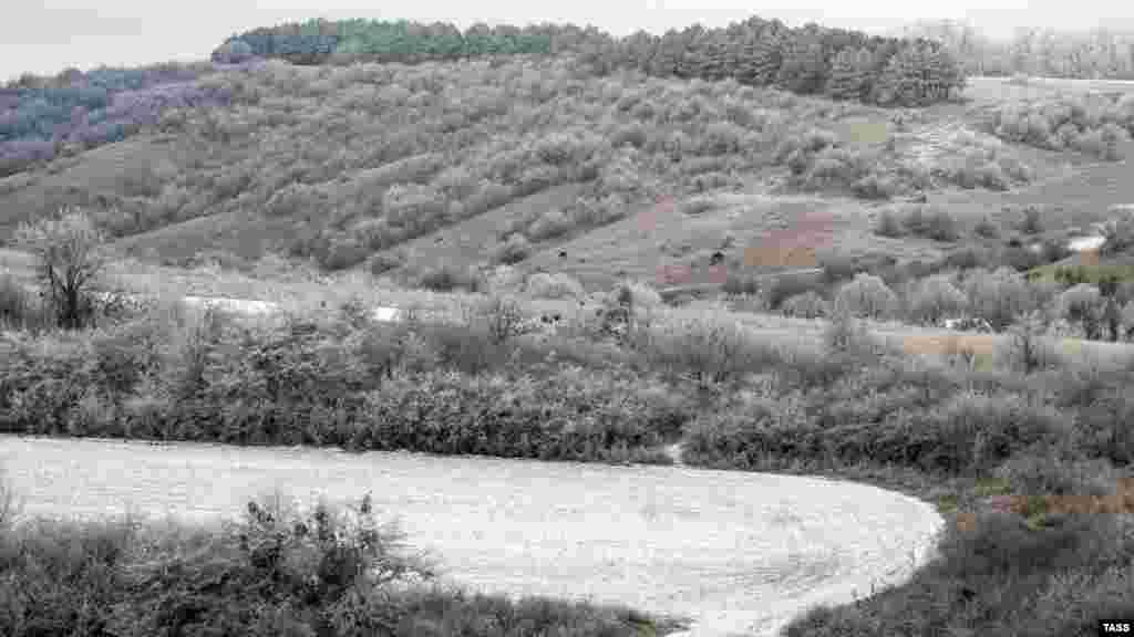 Холмы у села Клиновка, что неподалеку от Симферополя