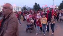 Fëmijë dhe nxënës në protesta kundër shqipes