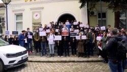Protestë kundër gjuhës së profesorit Ardian Kastrati