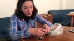 Колье из крымской гальки и тоска по дому (видео)