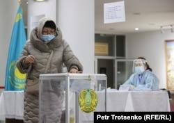 Алматыдағы сайлау учаскесі. 10 қаңтар 2021 жыл.