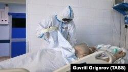 Лікування хворого на COVID-19 у Москві, Росія