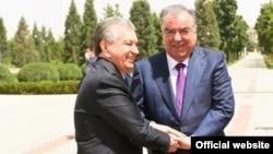Эмомали Рахмон и Шавкат Мирзияев. Душанбе, 10 июня 2021 года.