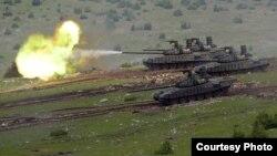 Детал за воена вежба на српски тевооружени сили на југот на Србија, 27 јуни 2021 година