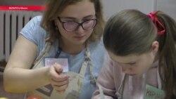 """Взрослые игры: зачем волонтеры играют с воспитанниками детдомов в """"кухню"""" и """"магазин"""""""