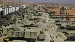 تانکهای ایرانی در مانور نظامی در شمال غرب ایران ، نزدیک مرز با آذربایجان، ۹ مهر ۱۴۰۰