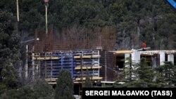 Строительство в Форосском парке, март 2021 года