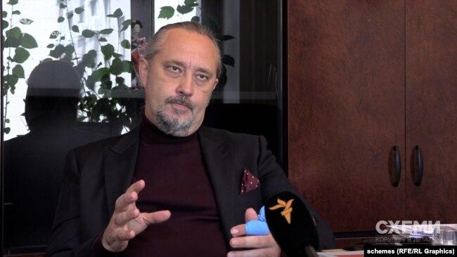 Суддя Ігор Сліденко сказав, що портрет Тупицького все ще висить разом з усіма іншими у будівлі Конституційного суду