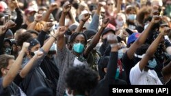 Акция протеста против насилия и жестокости полиции в США. Бостон, 10 июня 2020 года